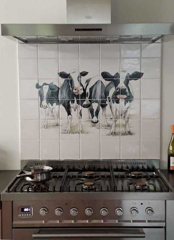 More kitchen with cows