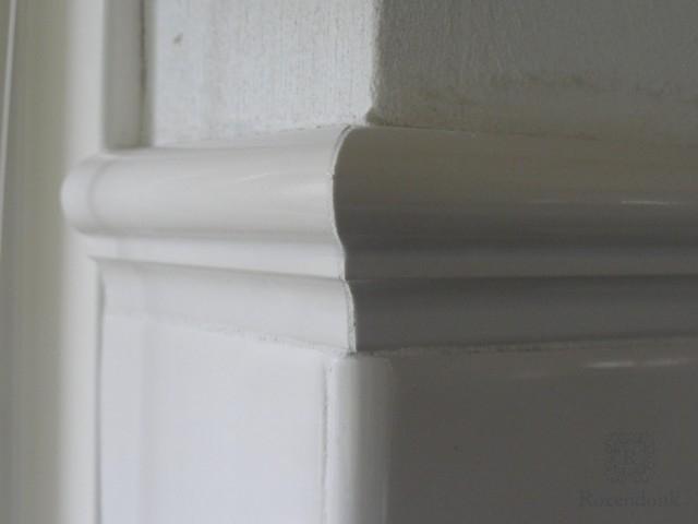 Tiles around a corner