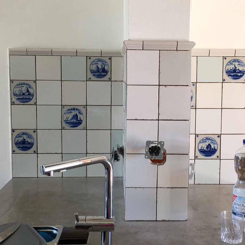 KL-aged tiles with old tiles