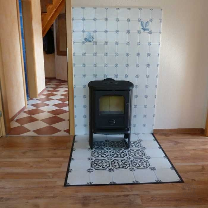 Tiles behind the stove