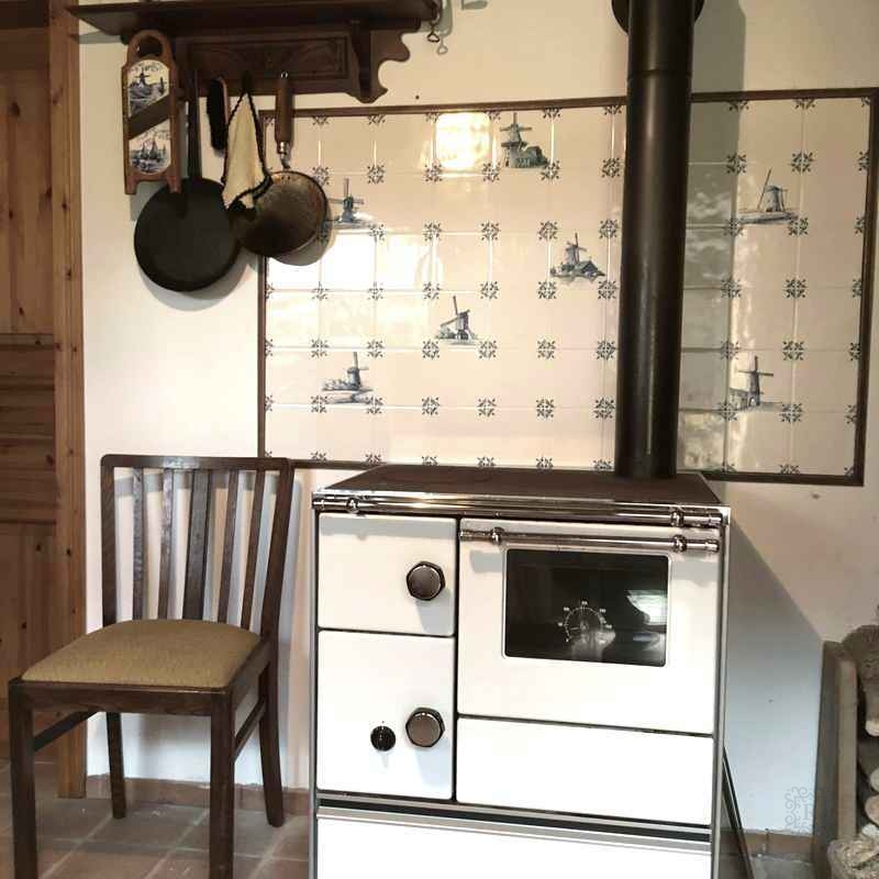 Wall tiles above the stove