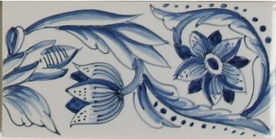 RF0-9 border tile with tulip