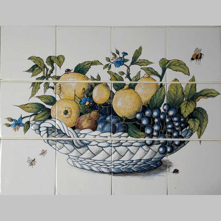 RH12-13 Bowl with fruit
