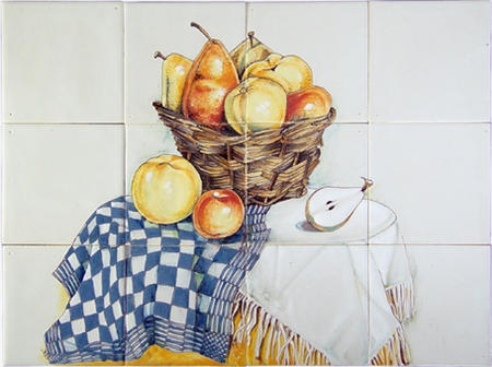 RH12-22 basket with fruit