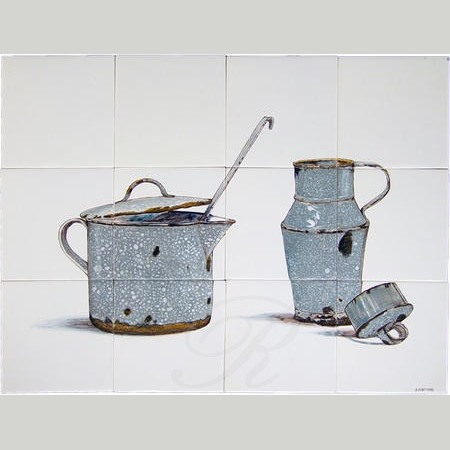 RH12-31 Old enamel kitchenware