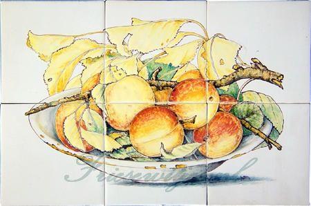 RH6-11 Bowl with peaches