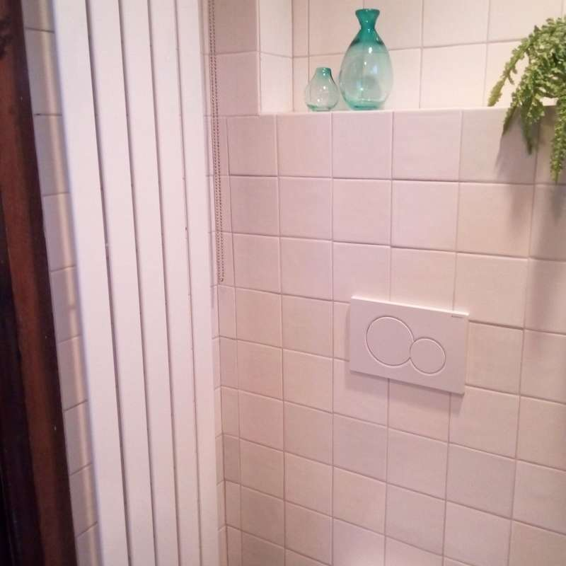 Bathroom with white mix