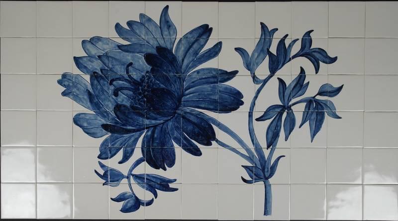 Flower on 64 tiles